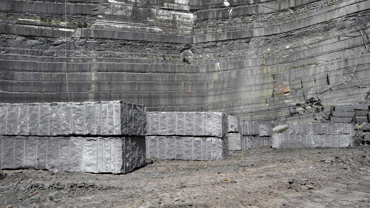 blocchi di pietra arenaria per sculture