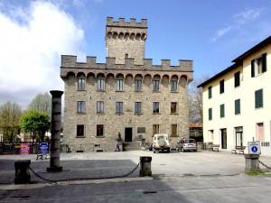 Restauro Piazza Casini Firenzuola in Pietra Serena