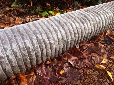 cordonato di pietra serena utilizzato per il restauro del parco delle cascine a firenze