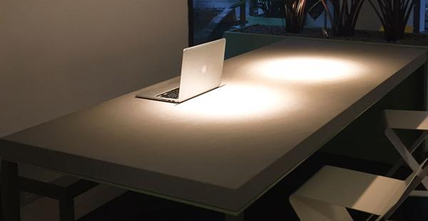 tavolo con piano in pietra serena di firenzuola e ferro zincato