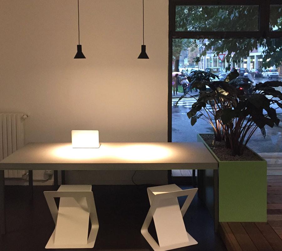 interior design tavolo in pietra serena di firenzuola