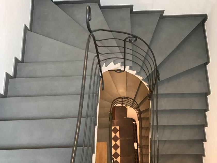 Ristrutturazione di scale in pietra con Pietra Serena di Firenzuola