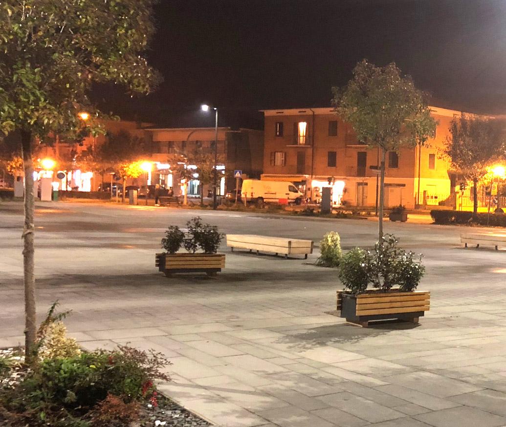 restauro piazza medolla in pietra serena
