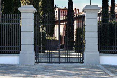 ristrutturazione villa in pietra serena di firenzuola
